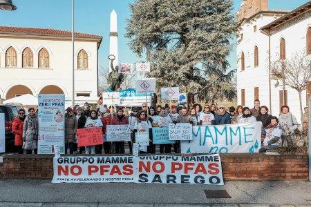 Il video-appello delle mamme NoPfas ai ministri europei: «Fermate questi veleni»