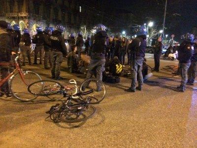 «Pedalare non è reato»: migliaia di ciclisti oggi nelle piazze