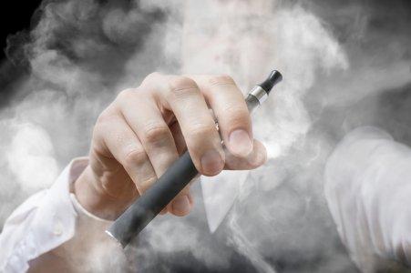 Sigarette elettroniche: Big Tobacco perde il pelo ma non il vizio