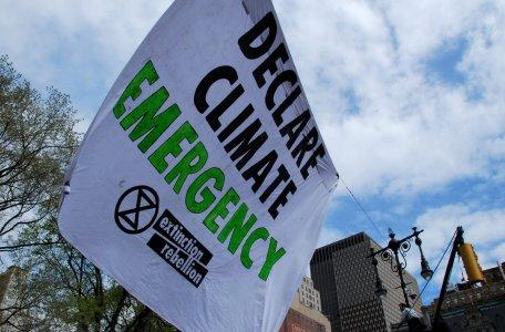 Il Regno Unito proclama l'emergenza climatica. In Italia è notte fonda