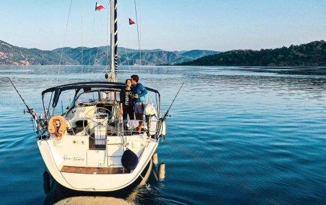 Greta e Michael, la vita in barca a vela