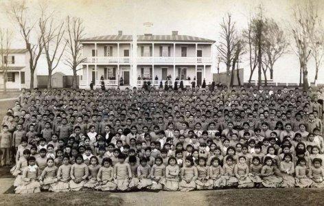 L'appello di Survival: «Basta scuole di assimilazione per i popoli indigeni»