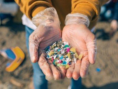 Microplastiche: la pressione delle lobby indebolisce l'intervento europeo e ne allunga i tempi