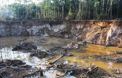 Anche la corsa all'oro minaccia le terre indigene dell'Amazzonia
