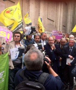 Referendum. La censura Rai e le proteste dei comitati