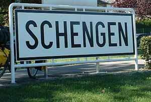 Immigrazione: l'Europa rivede la convenzione di Schengen
