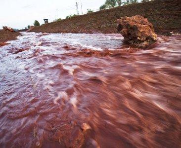 Ungheria, la 'marea rossa' dei fanghi chimici. È disastro ambientale