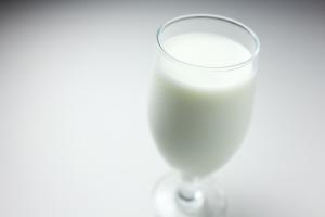 Radiazioni nel latte: una questione di soglie e di mercato