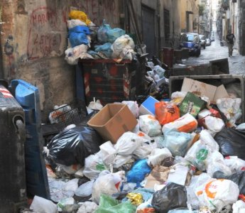 Napoli, rifiuti e alimentazione: alcune proposte al neo sindaco De Magistris