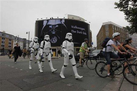 Guerre stellari contro il greenwashing di Volkswagen - Tutte le FOTO