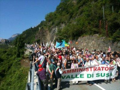 Manifestazione NO TAV in Val di Susa: cosa è successo veramente