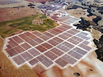 Rinnovabili, nasce il comitato contro gli impianti nelle aree verdi