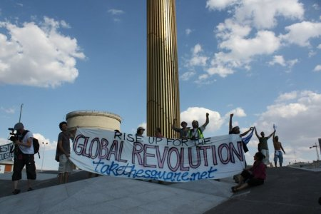 A Madrid tre giorni di 'indignazione creativa'