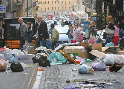 Gestione rifiuti Campania. Cittadini scrivono ai sindaci: