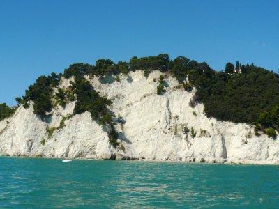Ancona, il monte Conero e la spiaggia delle due sorelle