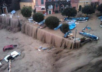 Forza Cemento. L'emergenza alluvioni in una