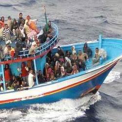 Lampedusa: ancora sbarchi e rimpatri, Cie blindati