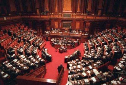 Pensioni, stipendi parlamentari, costituzione: i punti della manovra
