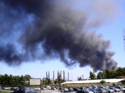 Incendio al petrolchimico di Priolo, possibili rischi per la salute?