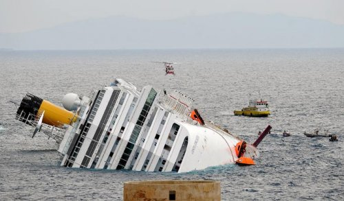 Costa Concordia, il delirio di onnipotenza che affonda inesorabilmente