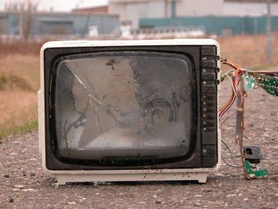 Vetro. Vecchi televisori diventano piastrelle in ceramica 'verde'