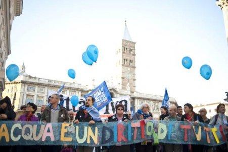 Obbedienza civile, il popolo dell'acqua si mobilita per i referendum violati