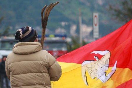 Forconi: dopo l'incontro tra Lombardo e Monti la protesta continua