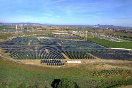 Stop incentivi per fotovoltaico a terra, la prima fonte rinnovabile è il cibo