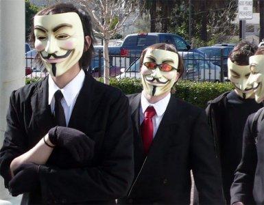 Gli hacker di Anonymous attaccano la costituzione ungherese
