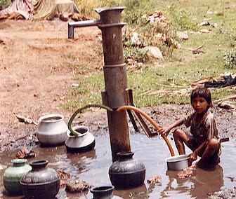 La guerra mondiale dell'acqua potabile, un diritto negato a molti