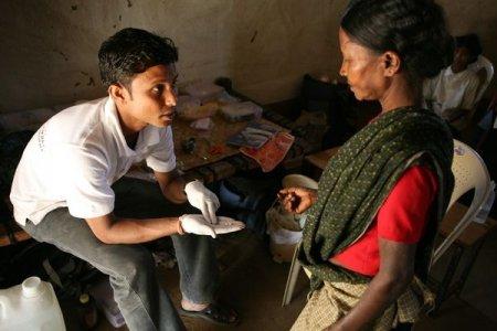 Bayer e le altre, i crimini delle case farmaceutiche in India