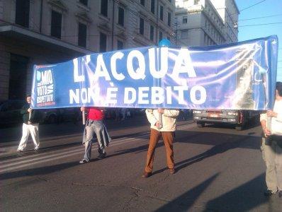 Acqua pubblica. In Provincia di Napoli la vittoria dei cittadini
