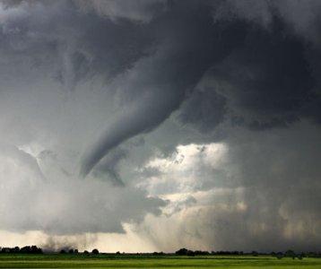 Catastrofi naturali: intervista a Peter Höppe, climatologo di Munich Re