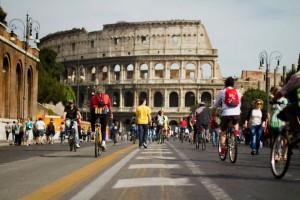 'Salvaiciclisti': a Roma 50mila in piazza per chiedere un'altra mobilità