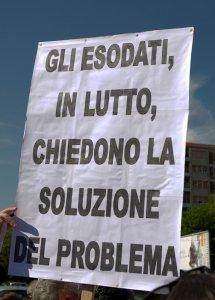 Suicidi. A Bologna sfilano i parenti delle 'vittime del fisco'