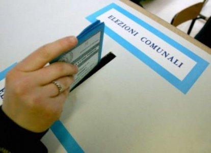 Amministrative 2012: exploit dei 5 stelle, cresce l'astensionismo