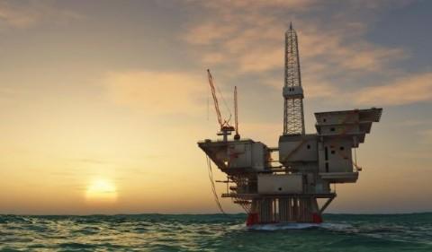 Perforazioni offshore a cinque miglia dalla costa: