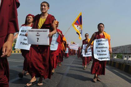 Chiuse le frontiere in Tibet, l'ultimo atto della repressione cinese