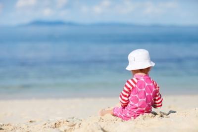 Fda: creme solari sconsigliate per i neonati