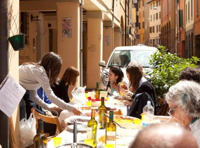 Luoghi di Sosta Pedonale, favorire la socialità di strada a Bologna