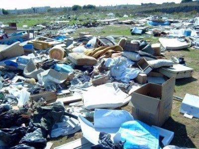 Rifiuti: dall'Ue maxi multa all'Italia per discariche abusive
