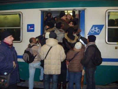 Treni: inverno pieno di disagi per i pendolari italiani