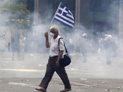 Grecia, morire di fame mentre gli emiri fanno shopping di isole