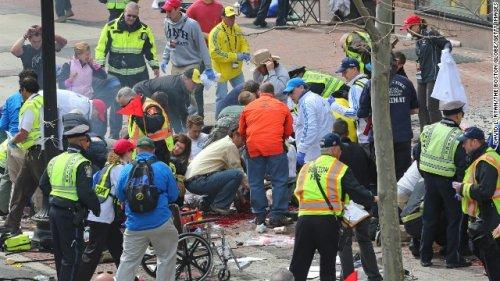 Attentato alla maratona di Boston. Almeno tre morti per le bombe
