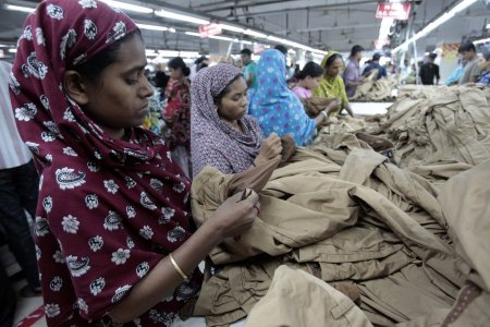 Bangladesh, grandi marchi firmano accordo per la sicurezza sul lavoro