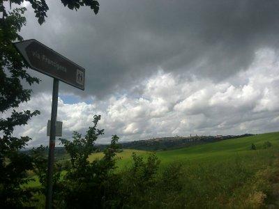 Via Francigena a piedi. Terza e quarta tappa, qual è la via?