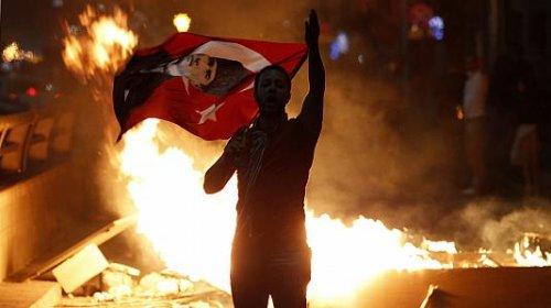 Turchia in rivolta contro la deriva autoritaria del governo