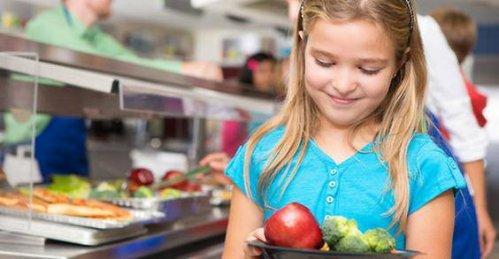 Come ottenere pasti vegani nelle mense scolastiche, intervista a Denise Filippin