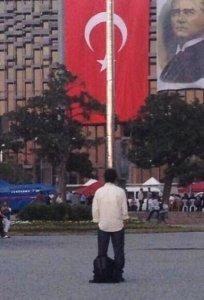 Turchia in rivolta e Grecia al collasso. Cronache di crisi, tra dramma e poesia