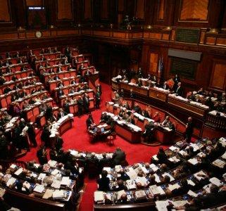 Parlamento Casa di Vetro, la campagna per una politica trasparente